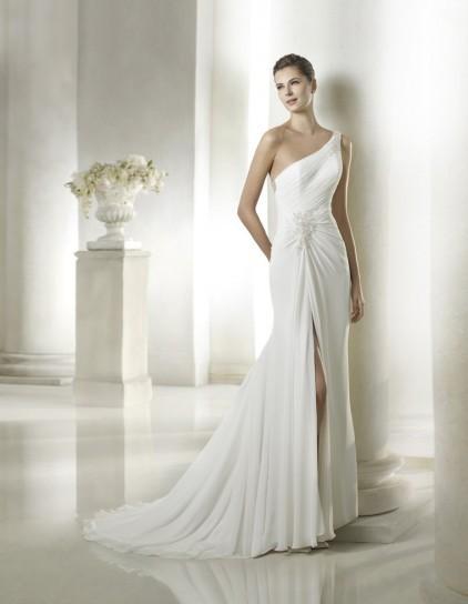 online retailer 211eb 8fc69 Solo l'abito giusto rende la sposa ancora più bella ...